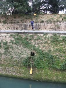 Discesa all'esterno del bastione