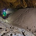 Grotta del Calgeron - Ghiaia accumulata durante i periodi di piena